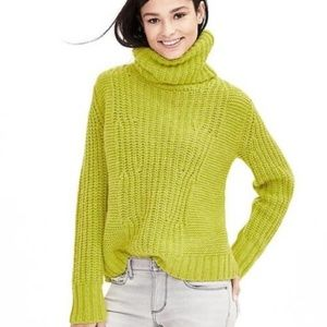 Banana Republic Chunky Cowl Neck Sweater | Medium